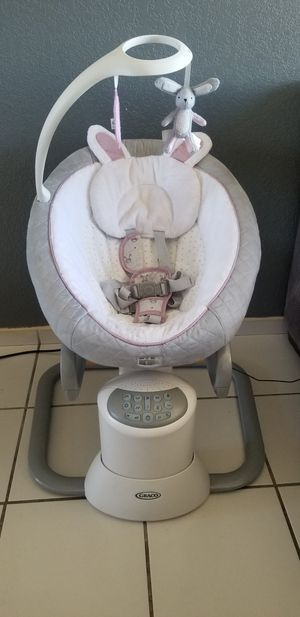 Graco EveryWay Soother Baby Swing for Sale in San Diego, CA