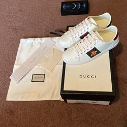 Gucci women's Ace sneaker with bee size 36 (6US) for Sale in Happy Valley,  OR