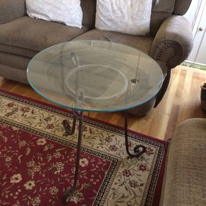 Wrought iron end table for Sale in Sudley Springs, VA