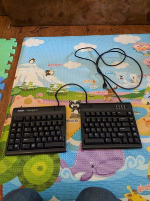 kinesis freestyle 2 keyboard used. Mechanical for Sale in Los Angeles, CA