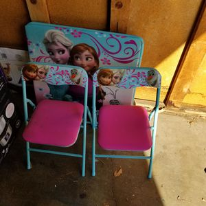 FROZEN kids table and chairs for Sale in Yorba Linda, CA
