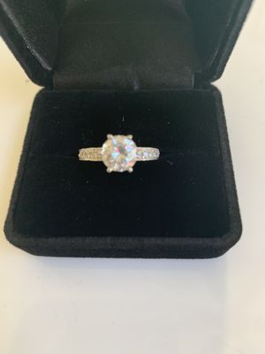 Wedding ring and 2 bands platinum 1.25 ct main diamond for Sale in Temecula, CA
