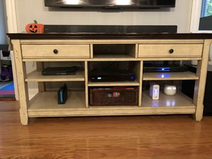 Beautiful Media Console - Excellent condition for Sale in Seekonk, MA