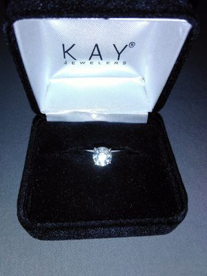 Very new beautiful 1.02karat diamond ring in 14k white gold for Sale in Sandy, UT