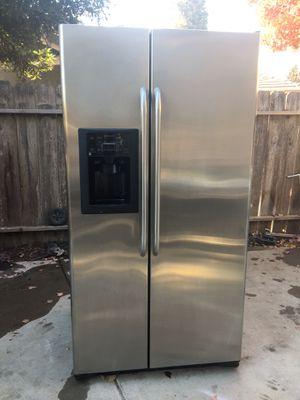 Refrigerador General Electric for Sale in Riverbank, CA