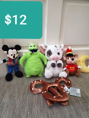 DISNEYLAND PARKS PLUSH COLLECTION -6PIECE. ALL FOR $12 for Sale in Corona, CA