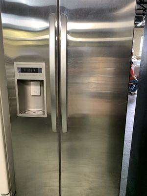 Stainless Steel Refrigerator for Sale in Detroit, MI