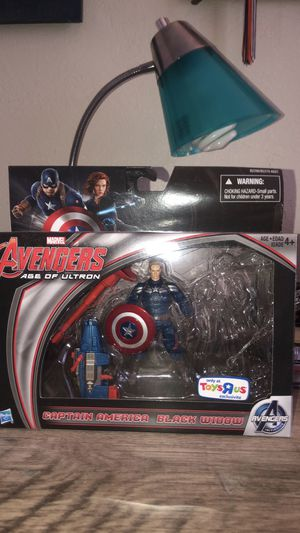 Toysrus exclusive captain America for Sale in Sanford, NC