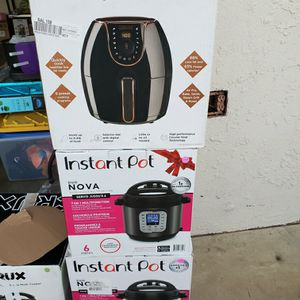 Instant Pots And Air Fryer $40 Each Used In Great CONDITIONS for Sale in Moreno Valley, CA