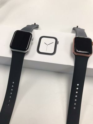 Apple Watch Series 4 GPS for Sale in Tacoma, WA
