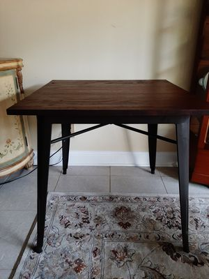Small dining/ kitchen table for Sale in Margate, FL