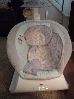 Fisher price electronic baby swing for Sale in Martinsburg, WV