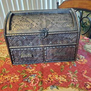 Pretty storage container never used it in excellent condition interested buyers only firm offers only for Sale in Chula Vista, CA