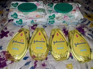 Johnson & Johnson and Pamper wipes set for Sale in Morrow, GA