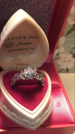 Exquisite Engagement ring Brilliant round 2KT Sapphire on carved designer band 925 sterling silver stamped size 7 for Sale in Brecksville, OH