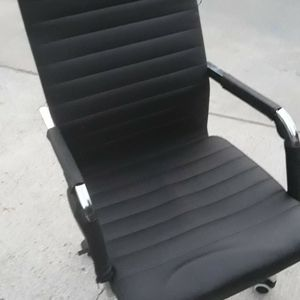 Office Chair In Excellent Condition for Sale in Baldwin Park, CA