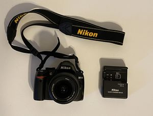 Nikon D3000 for Sale in Plantation, FL
