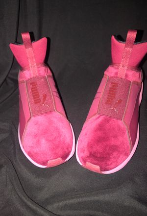 Brand New pink/ Burgundy Lady Pumas shoes for Sale in Washington, DC