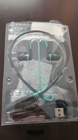 Skullcandy wireless bluetooth headphones for Sale in Ramseur, NC