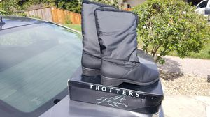 Size 11 Trotter Geneva snow boots for Sale in Fremont, CA