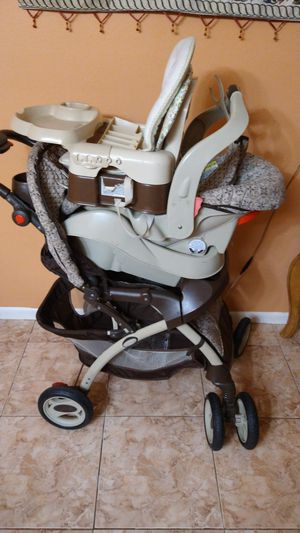 Baby stroller and car seat and seat foot for Sale in Oakland Park, FL
