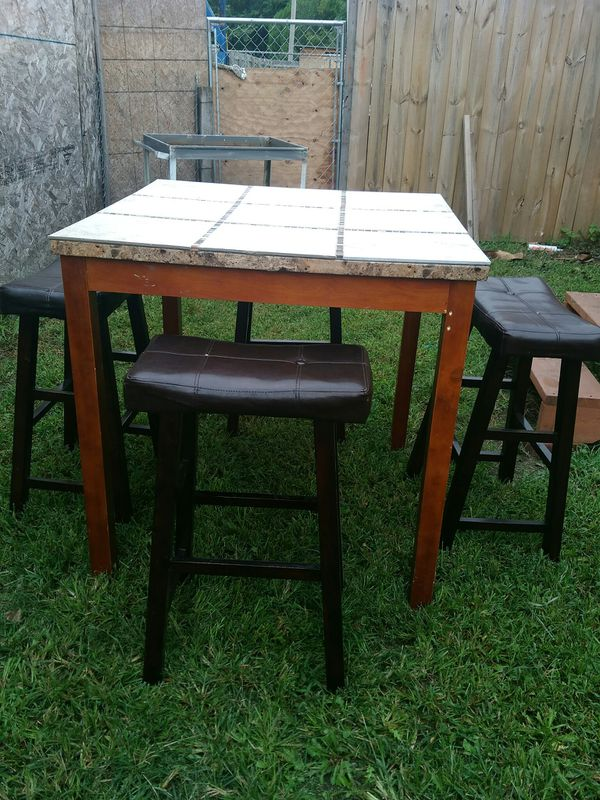 High table (4 bar stools)cash only