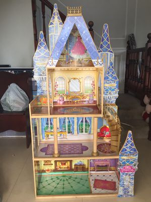 Kids kraft, kraft kid, doll house, Disney, Cinderella theme edition for Sale in Lake Forest, CA