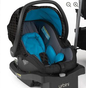 URBINI Turni NEW BABY CAR SEAT with base for Sale in Los Angeles, CA