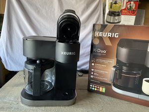 Keurig k-Duo single serve & carafe coffee maker black new condition excellent condition open box never in original packaging for Sale in Las Vegas, NV
