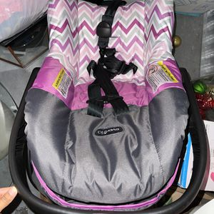Infant Car Seat for Sale in Hialeah, FL