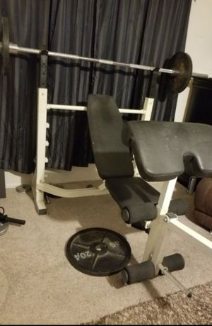 Olimpic workout bench for Sale in Las Vegas, NV