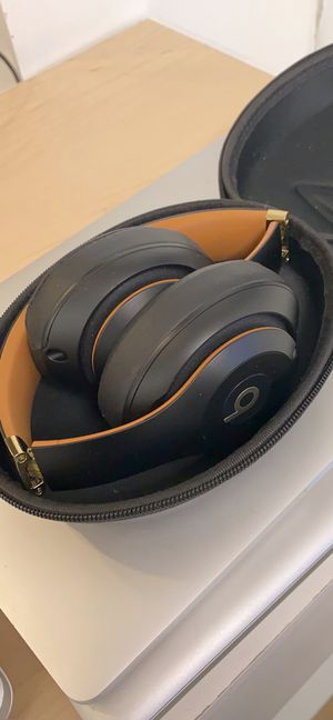 Beats studio wireless for Sale in Saddle Brook, NJ