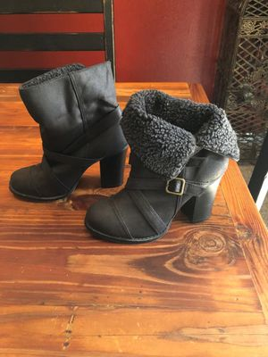CUTE BLACK BOOTS SIZE 5 WOMENS for Sale in Clermont, FL