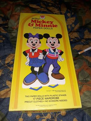 Vintage 1982 Walt Disney Mickey and Minnie paper dolls for Sale in Lodi, CA