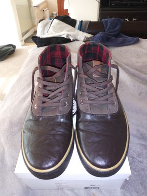 MEN'S SIZE (9) **BEN SHERMAN** (BROWN SUEDE ON LEATHER) CHUKA BOOT •9/10 CONDITION OF BOOT for Sale in San Leandro, CA