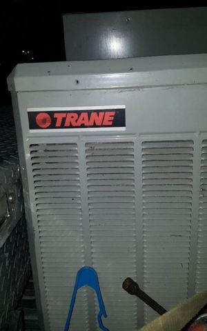 TRANE 2 AND 3/4 INSIDE AND OUTSIDE AIR CONDITIONING UNIT for Sale in Dallas, TX