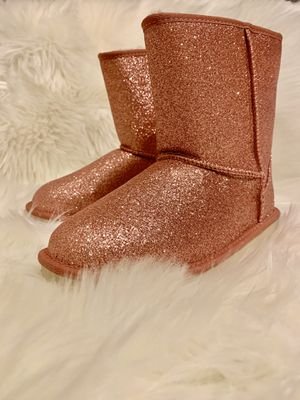 Brand new UGG Boots. Big girls size 5 for Sale in Grapevine, TX