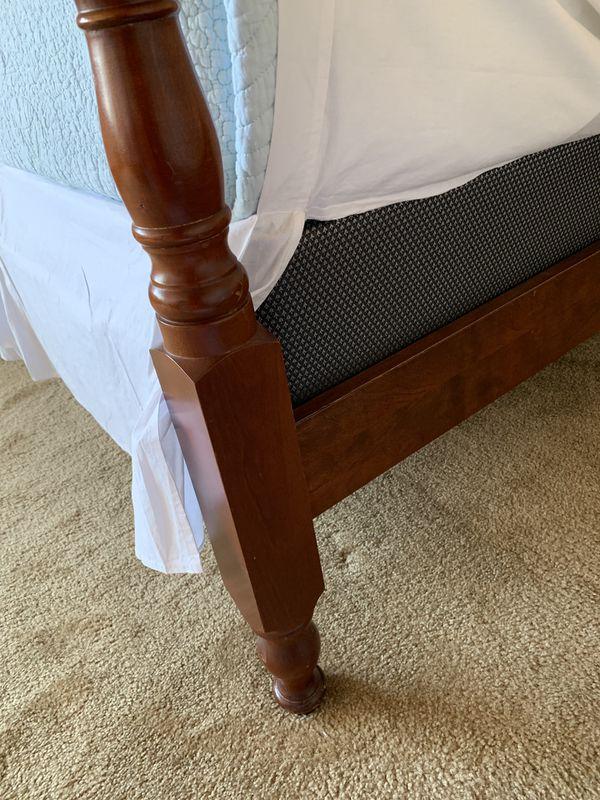 Queen bed solid wood