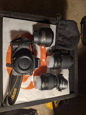 Nikon D5500 DSLR w/ 2x Lenses, 24/7 sling bag for Sale in Rosemead, CA