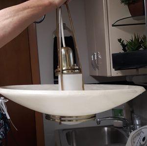 Beautiful Alabaster Lightolier marble chandelier hanging light for Sale in Bayonne, NJ
