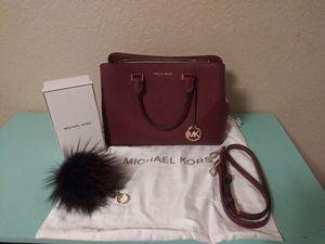 Authentic MICHAEL KORS HAND BAG & CHARM FUR ACCESSORIE for Sale in Turlock, CA