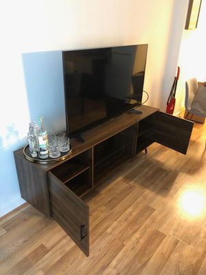 """TV Stand + Samsung 55"""" TV for Sale in Washington, DC"""
