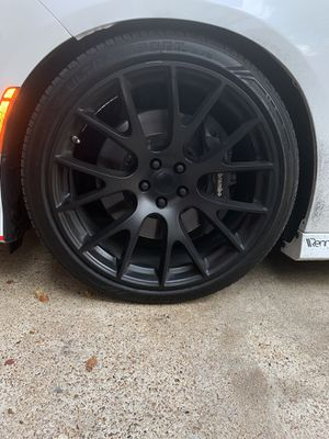 22 inch hellcat reps rims &tires for Sale in Houston, TX
