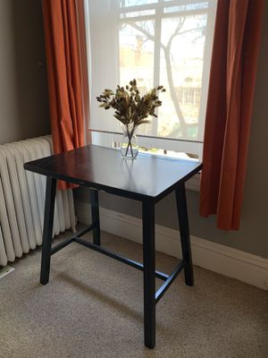 Fantastic high-top black table! Premium for Sale in Baltimore, MD