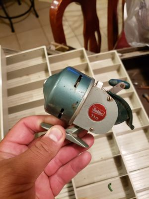 Vintage fishing reels and box for Sale in Wittmann, AZ