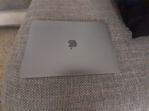 Apple Macbook Pro i5 256gb Laptop like new for Sale in Miami Beach, FL