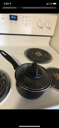 Cooking pot for Sale in Parma,  OH