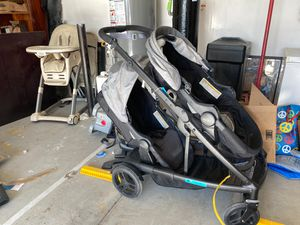 Graco dou doubble stroller for Sale in North Las Vegas, NV
