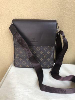 Crossbody messenger bag for Sale in Rancho Cucamonga, CA