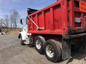 2004 peterbilt 330 dump truck for Sale in Gainesville, VA